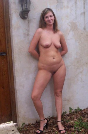 Eleanna escorts in Mattoon