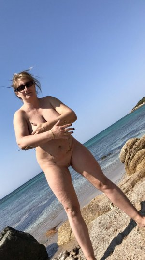 Najia small tits girls classified ads Bridgeview IL
